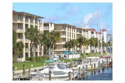 104 Paradise Harbour Boulevard #109