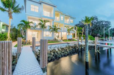 1051 Harbor Villas Dr