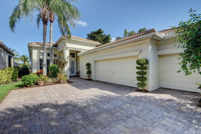 121 Orchid Cay Drive
