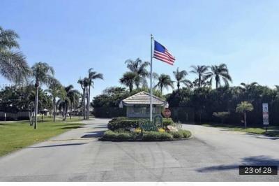 1127 E Seminole Avenue #3c