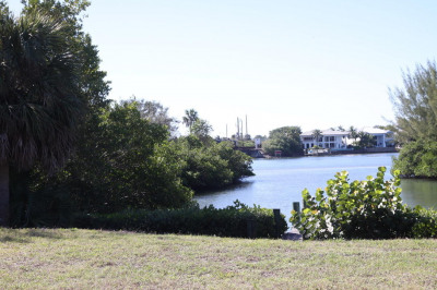 206 E Riverside Drive