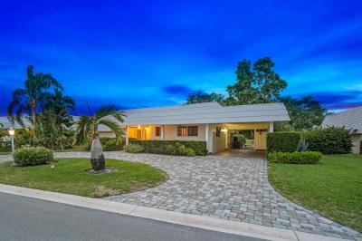 383 Villa Drive S