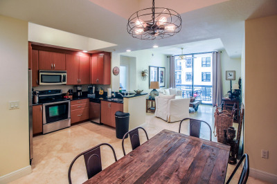 701 S Olive Avenue #805