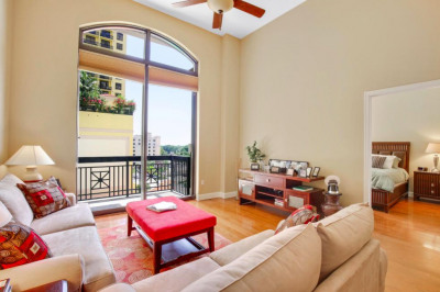701 S Olive Avenue #404