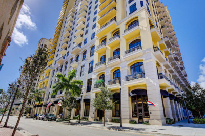701 S Olive Avenue #1805