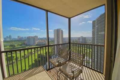 20379 W Country Club Dr #2039