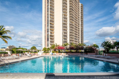 20379 W Country Club Dr #2338