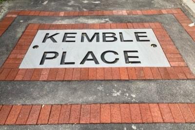 6 Kemble Place 1