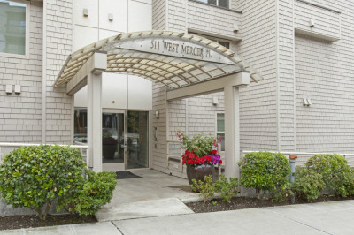 511 W Mercer Place #102