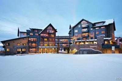 2250 Apres Ski