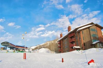 2430 Ski Trail Lane