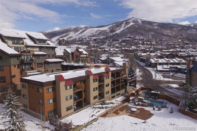 2200 Apres Ski