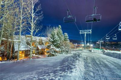 2440 Ski Trail Lane