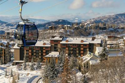 2420 Ski Trail Lane