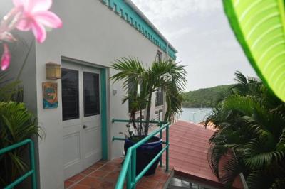 3ad-1 Cruz Bay Town 1