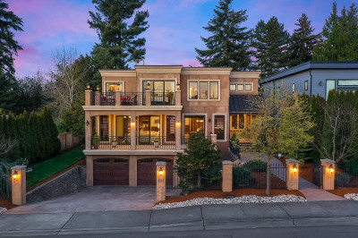 658 17th Ave W