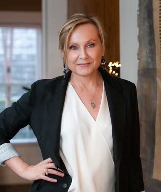 Leslie Dickinson