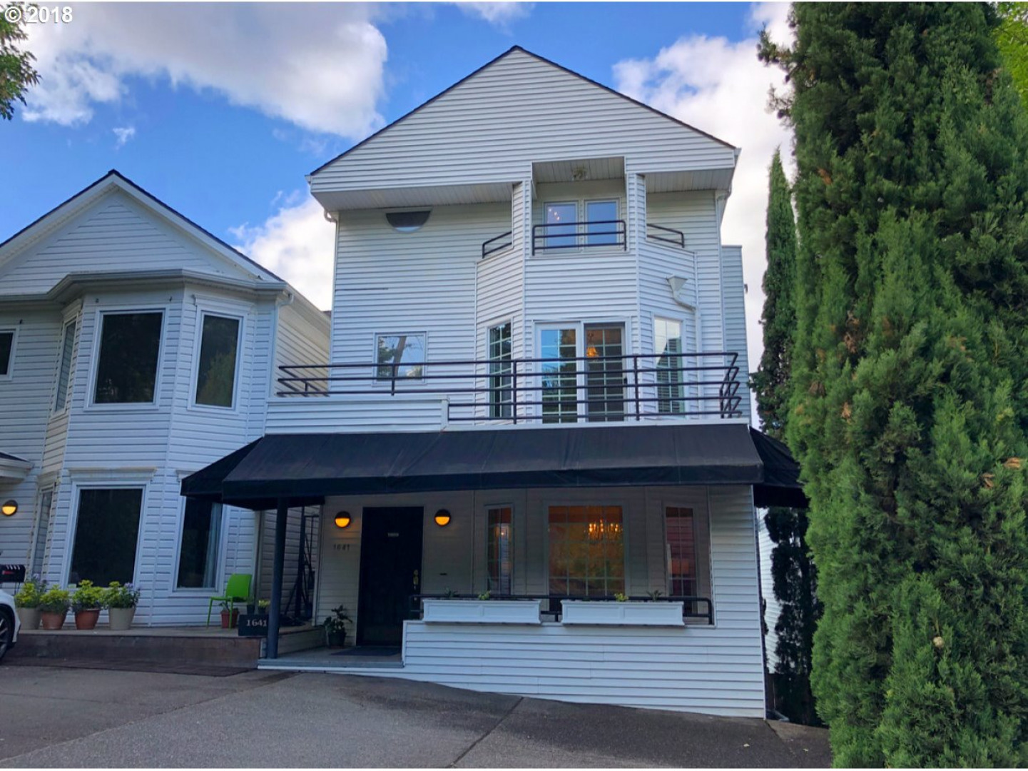 1641 SW Montgomery St, Portland, OR 97201 - Residential for $829,000