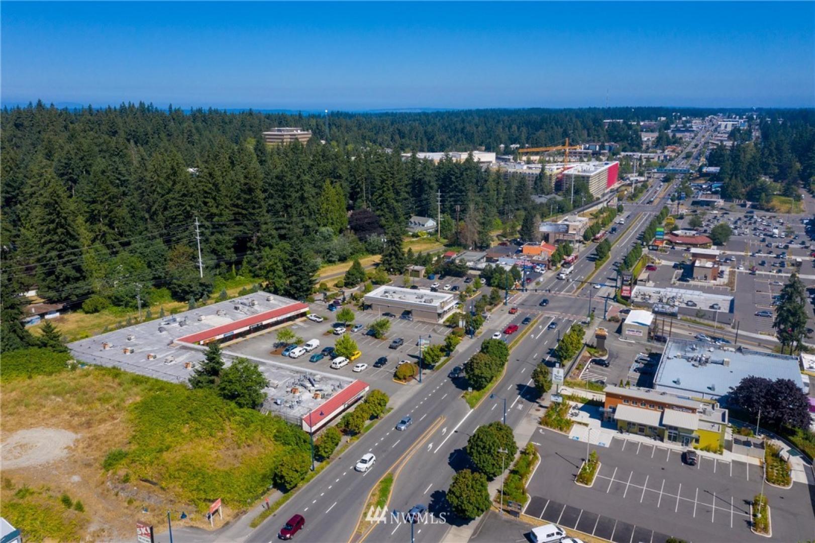 15001 Aurora Avenue N Photo 5