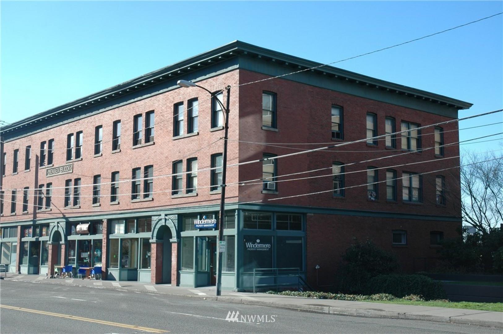 615 Eastlake Avenue E Photo 1
