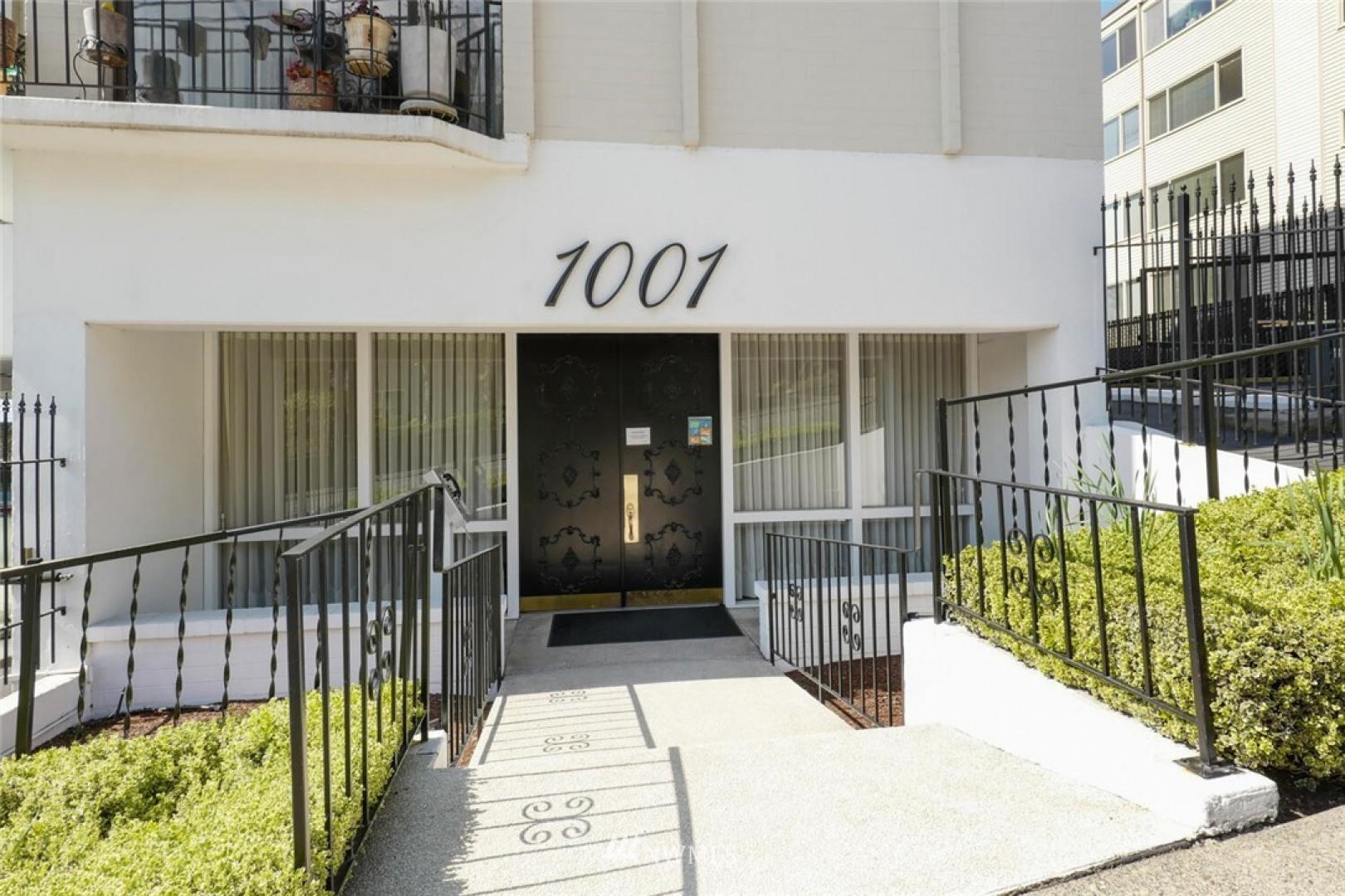 1001 Queen Anne Avenue N #704 Photo 3
