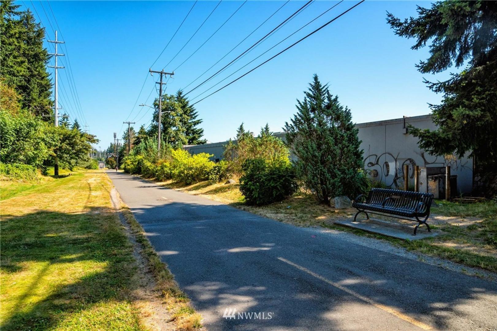 15001 Aurora Avenue N Photo 21
