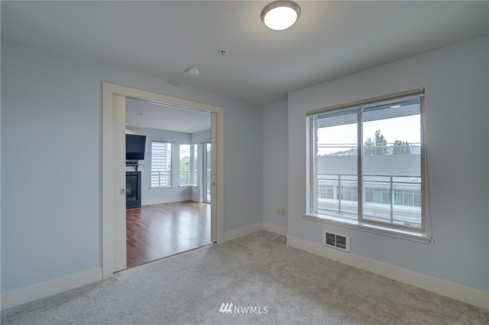 1550 Eastlake Avenue #405 Photo 16