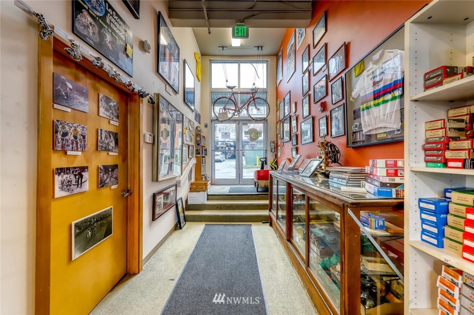 740 Winslow Wy E #R6+R7 Photo 11