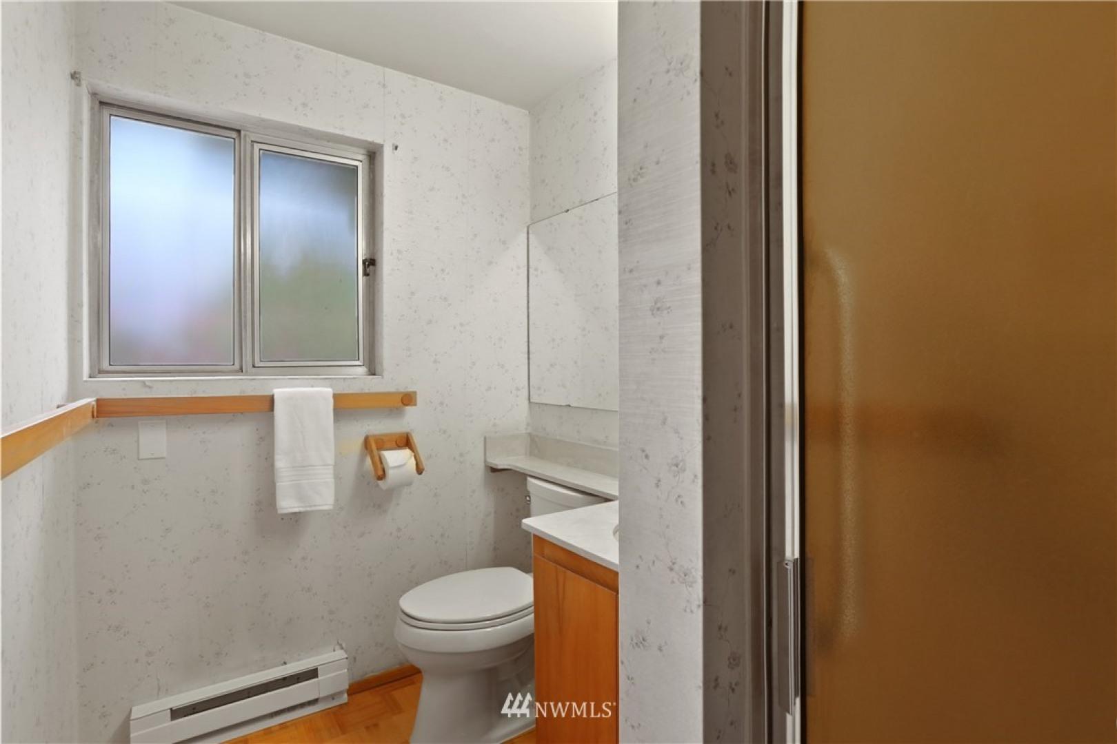1101 Federal Avenue E Photo 23