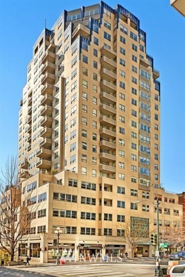 1107 1st Avenue #1805 Photo 24