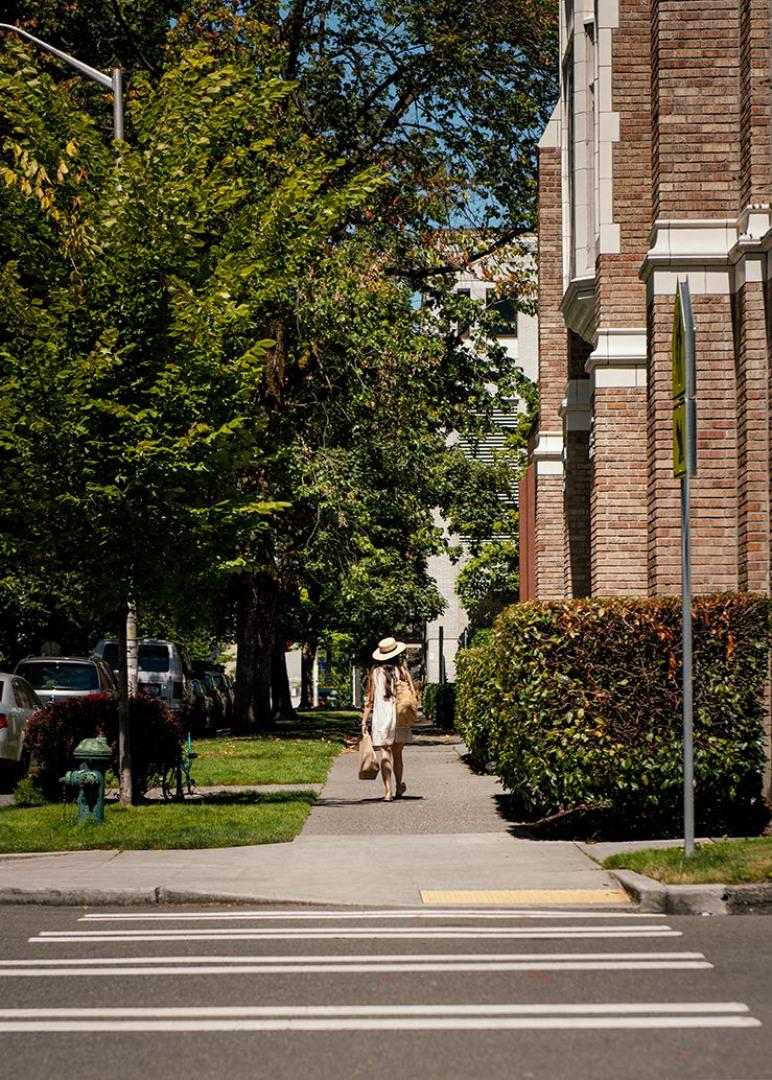 800 Columbia Street #802 Photo 23