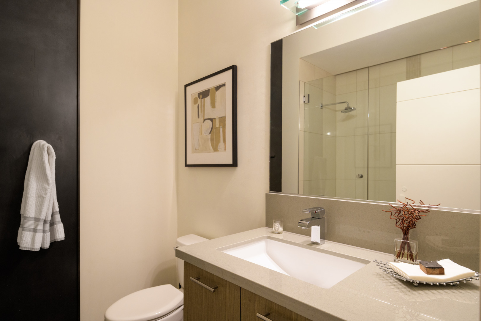 2911 2nd Ave #1302 Photo 16