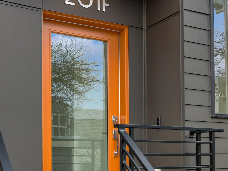 201 23rd Ave E #F Photo 2
