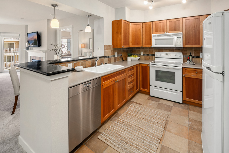 1545 NW 57th St #511 Photo 8