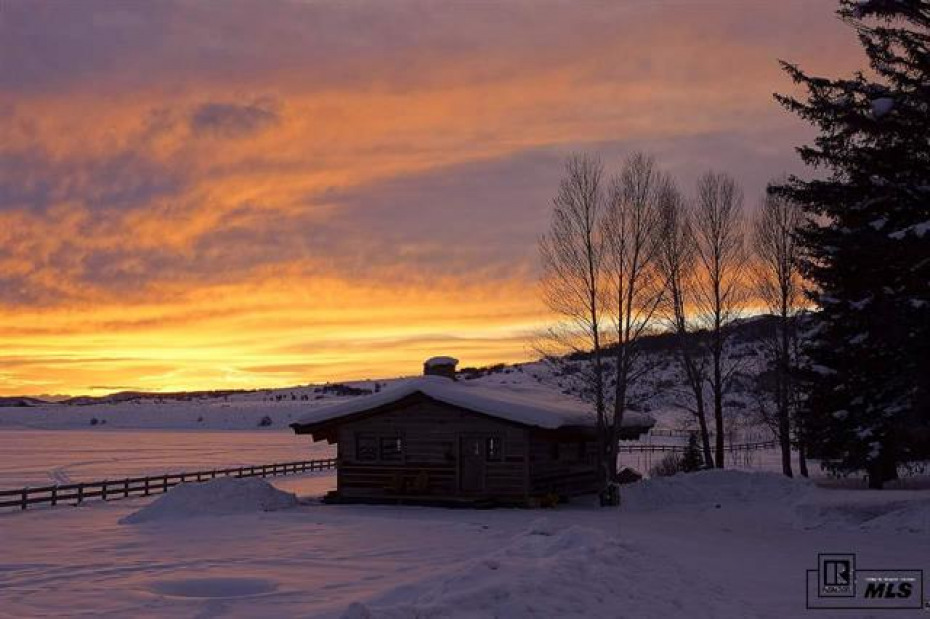 Sunsets are magnificent on the Steamboat River Ranch