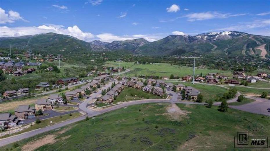 405 Parkview Photo