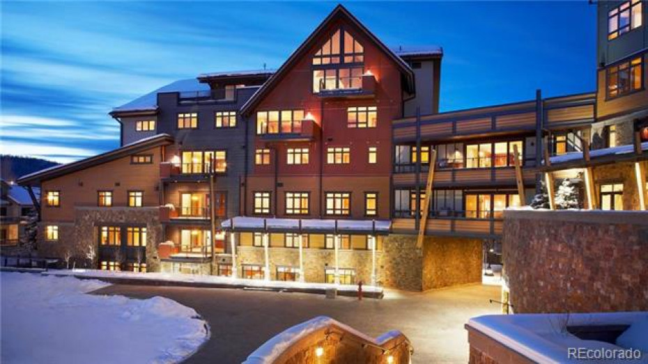 Slopeside Luxury at One Steamboat Place