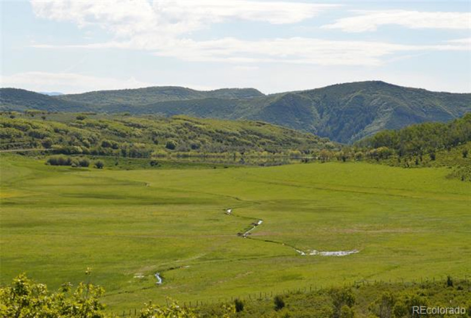 The ranch is 35 miles southwest of Steamboat Springs on year round county roads. It is about a half hour drive to the Yampa Valley Regional Airport.