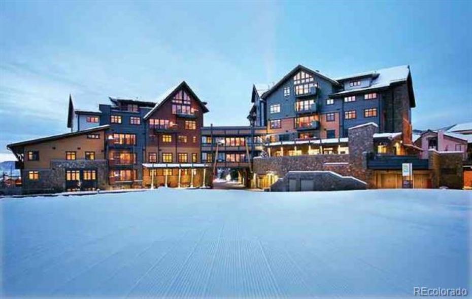 2250 Apres Ski Way Photo