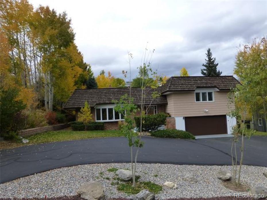 Street view 1070 Village Lane