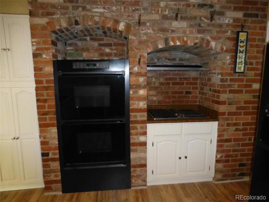 Dacor double ovens plus Jenn-Aire gridle/grill
