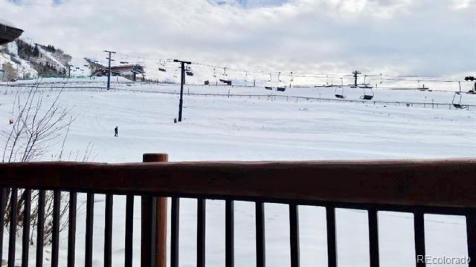 2255 Ski Time Square Photo