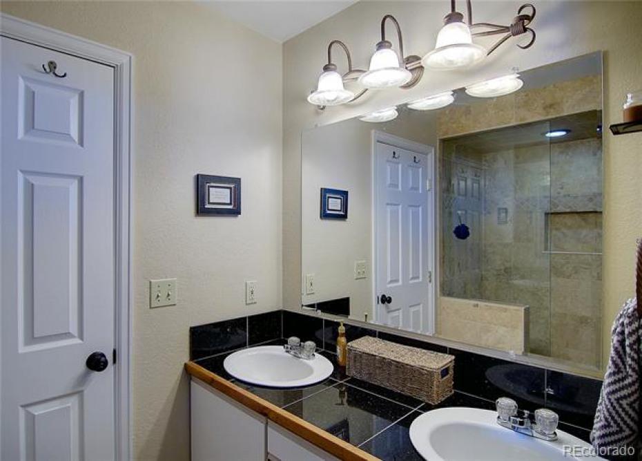 On-suite Master Bath
