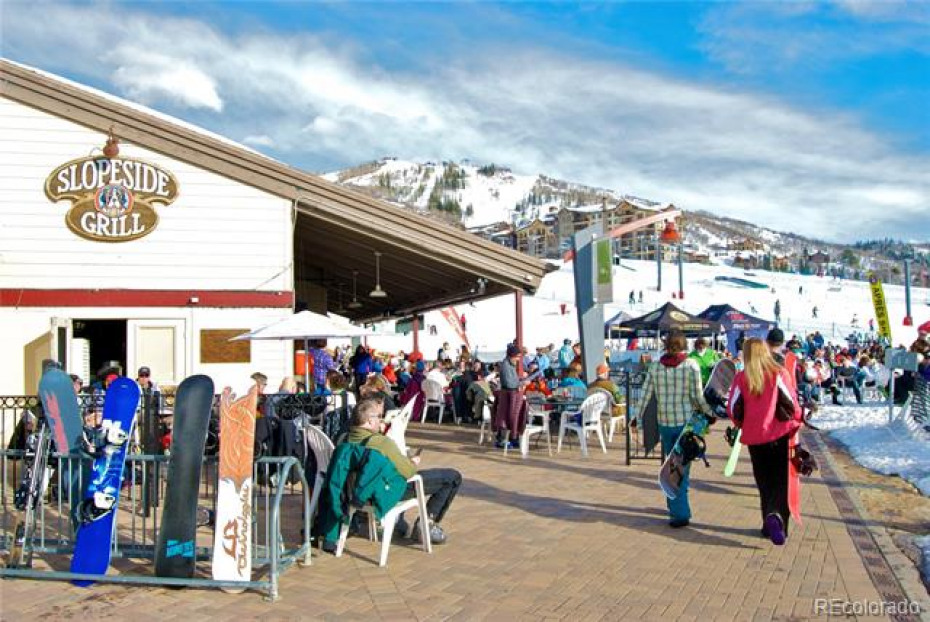 Apres Ski at Torian Plum Plaza
