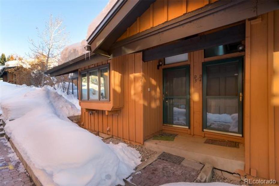 2731 Apres Ski Photo