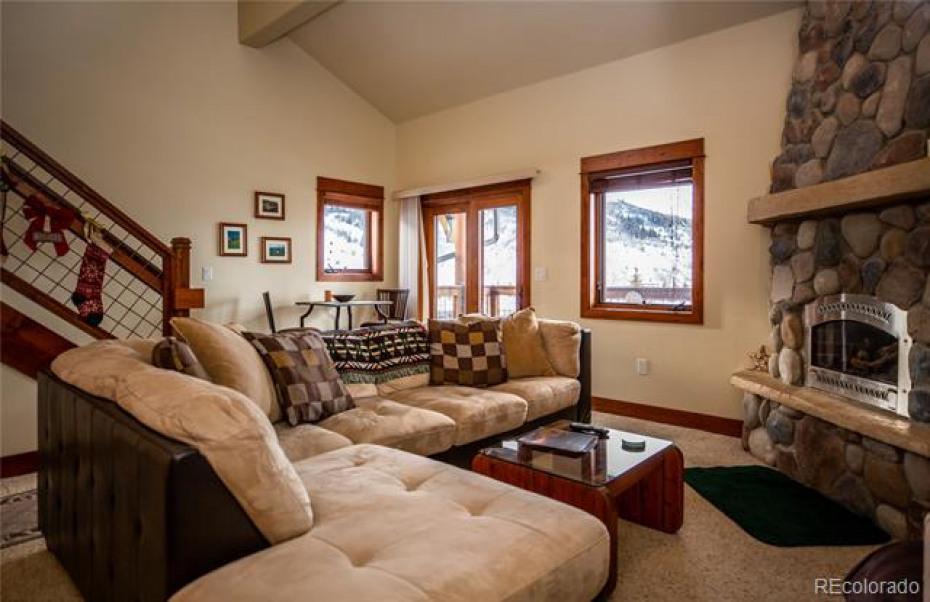 380 Ore House Photo