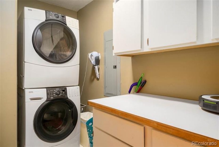 Laundry room is on the main level