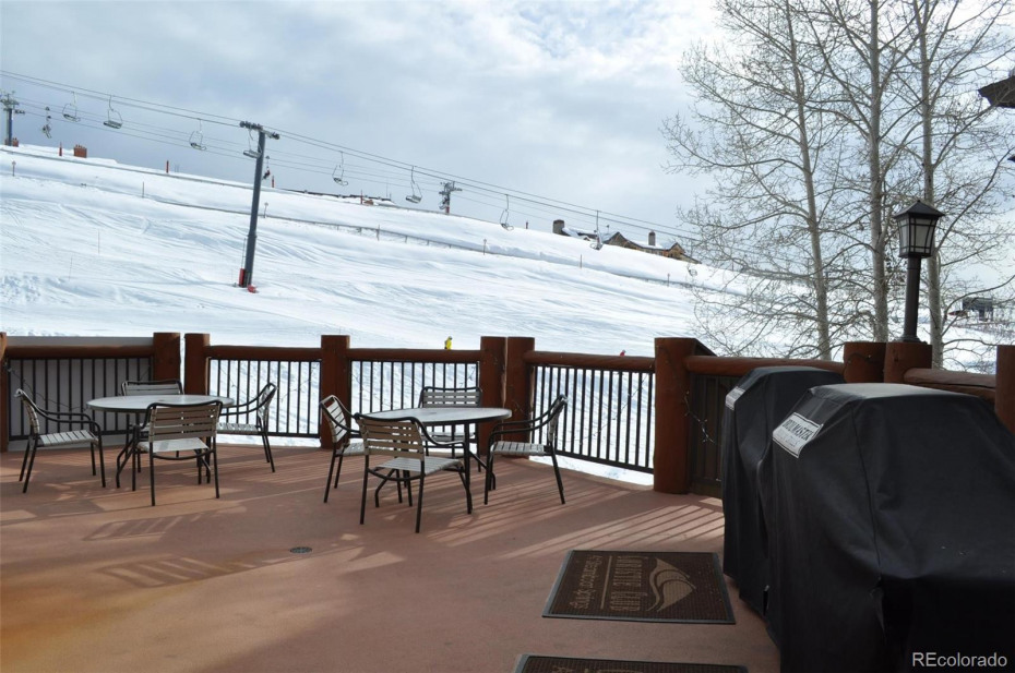 Outdoor grill area adjacent to the amenity building. Nice view, eh?