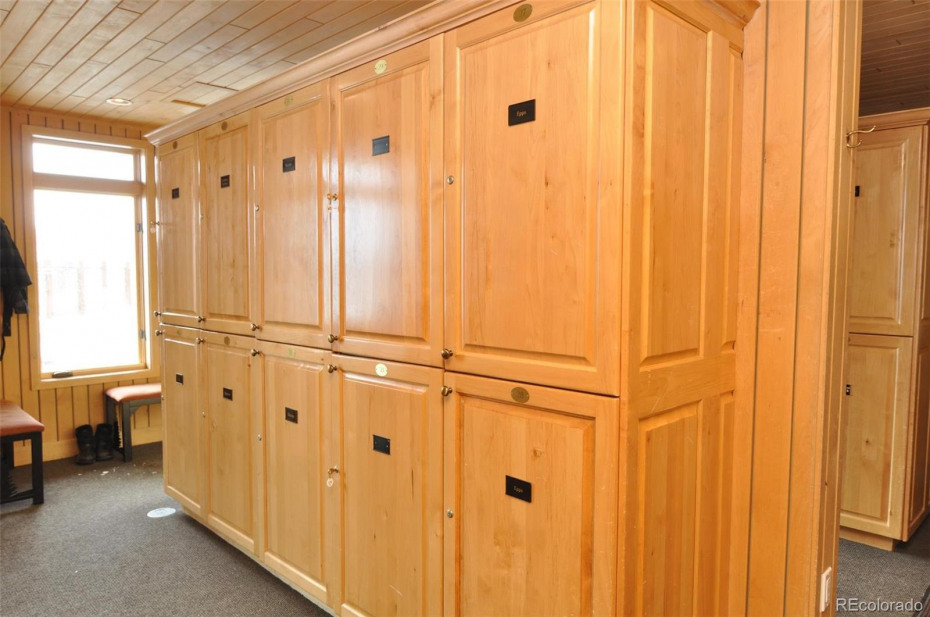 Lockers to put your goggles, helmets, extra socks, whatever you don't want to carry up to your condo.