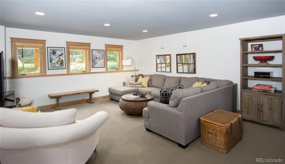 Second Living Area with Full Bath